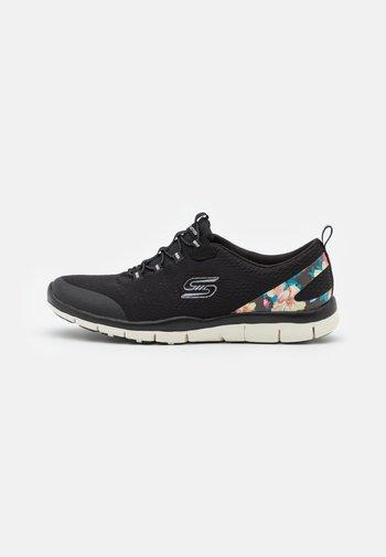 Zapatillas - black/hot melt/offwhite