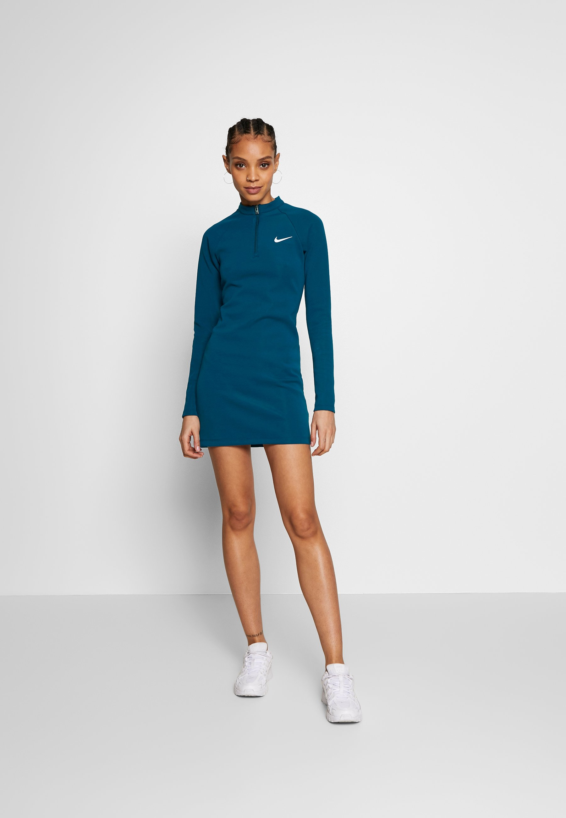Nike Sportswear W NSW ESSENTIAL LS - Etuikjole - black/white