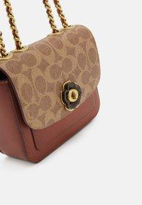 Coach - SIGNATURE MADISON SHOULDER BAG - Handbag - tan rust - 5