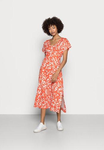 CRINKLE - Vestido informal - orange red
