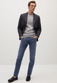 Mango - AUS WOLLE-BAUMWOLL-MIX - Blazer jacket - grau - 1