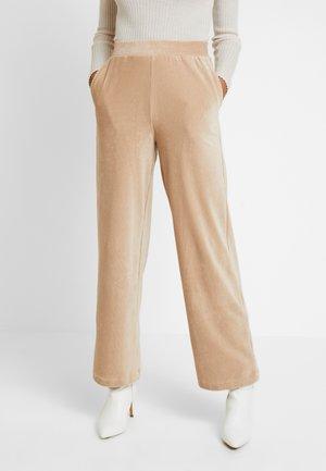 VMPAN WIDE PANTS - Bukse - camel