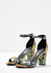 Madden Girl - BEELLA - Sandály na vysokém podpatku - bright multicolor - 4