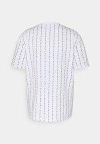 Karl Kani - SIGNATURE LOGO TEE - T-shirt con stampa - white - 5
