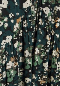 Vero Moda Petite - VMPHOEBE DRESS - Kjole - black - 2