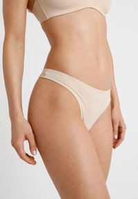 Schiesser - INVISIBLE - Thong - nude - 0