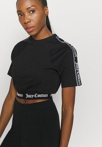 Juicy Couture - SUSAN - Camiseta estampada - black - 4
