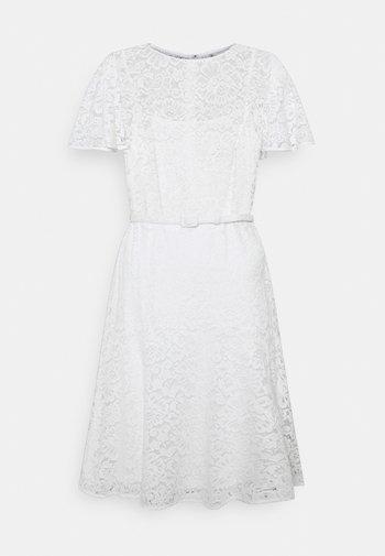 GORDON STRETCH DRESS - Cocktailklänning - white