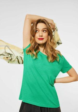 COSY - Basic T-shirt - grün