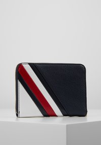 Tommy Hilfiger - CORE COMPACT WALLET - Wallet - blue - 3