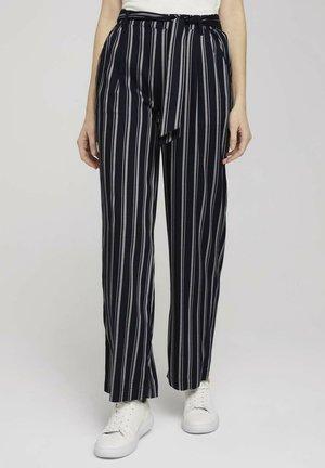 MIT WEITEM BEIN - Trousers - navy twill stripe