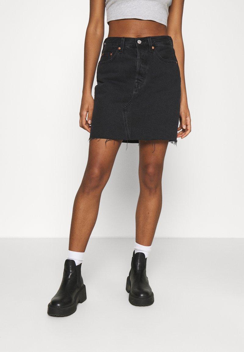 Levi's® - DECON ICONIC SKIRT - Mini skirt - dark gossip