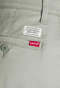 Levi's® - SLIM - Chinot - greens - 5