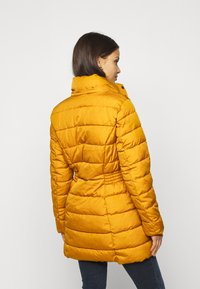 ONLY Petite - ONLLUNA QUILTED COAT - Classic coat - pumpkin spice - 3