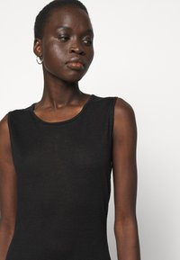 Filippa K - PATRICIA DRESS - Pouzdrové šaty - black - 4