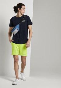 TOM TAILOR DENIM - Shorts - neon green - 1
