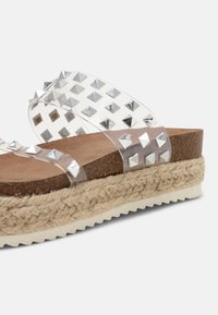 Madden Girl - CASE - T-bar sandals - clear - 7