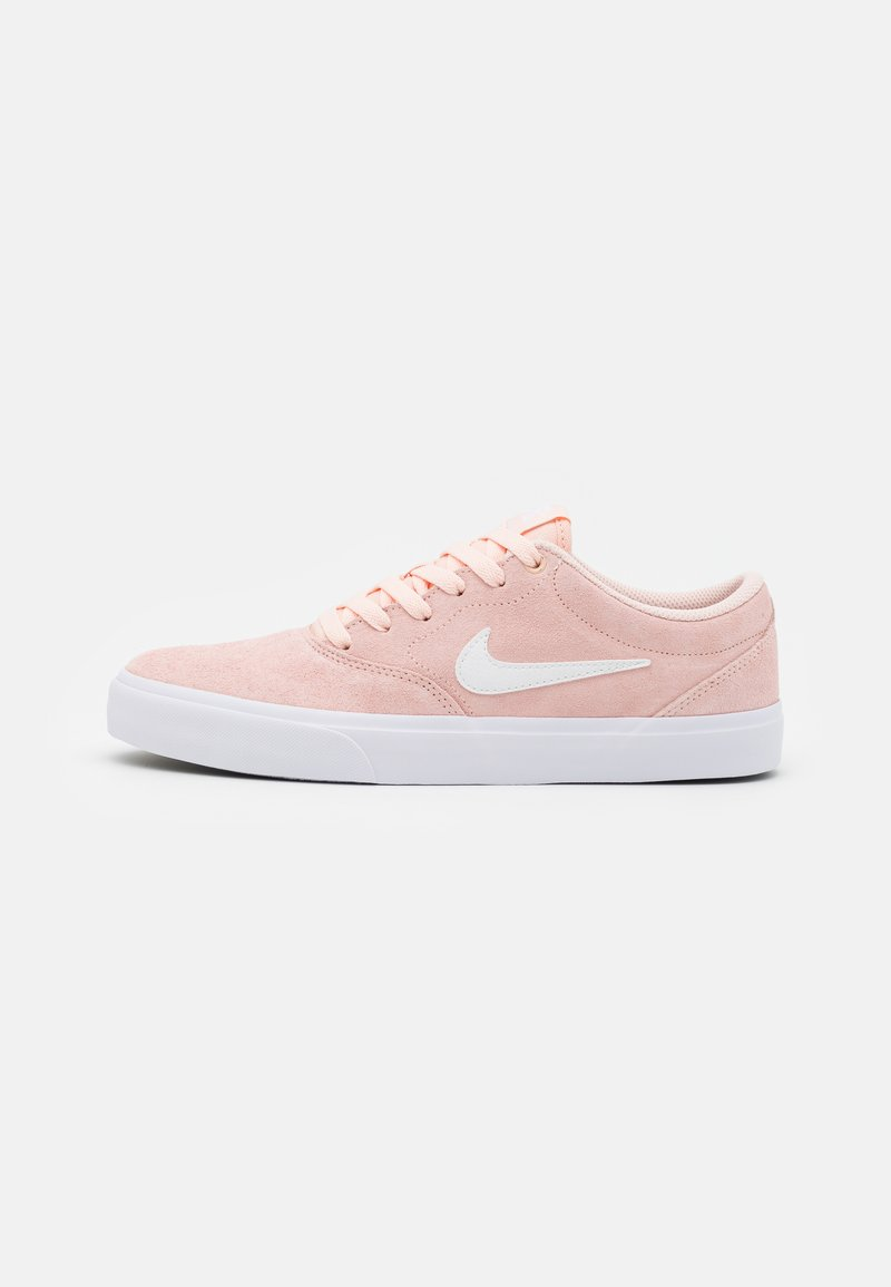 Nike SB - CHARGE UNISEX - Trainers - washed coral/white/black