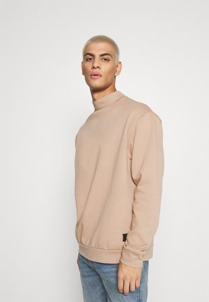 FUNNEL NECK CREW - Sweater - tan
