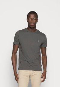 Marc O'Polo - C-NECK - T-shirt basic - gray pinstripe - 0