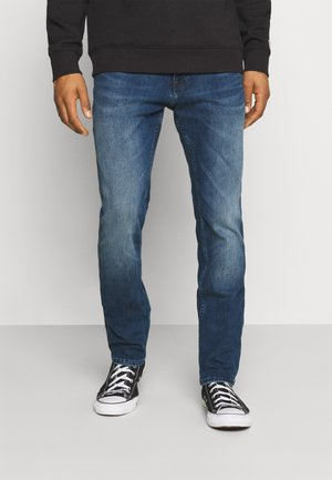 SCANTON SLIM - Slim fit jeans - mid blue