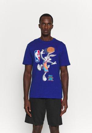 NBA SPACE JAM 2 THE HOOK TEE - T-shirt imprimé - blue