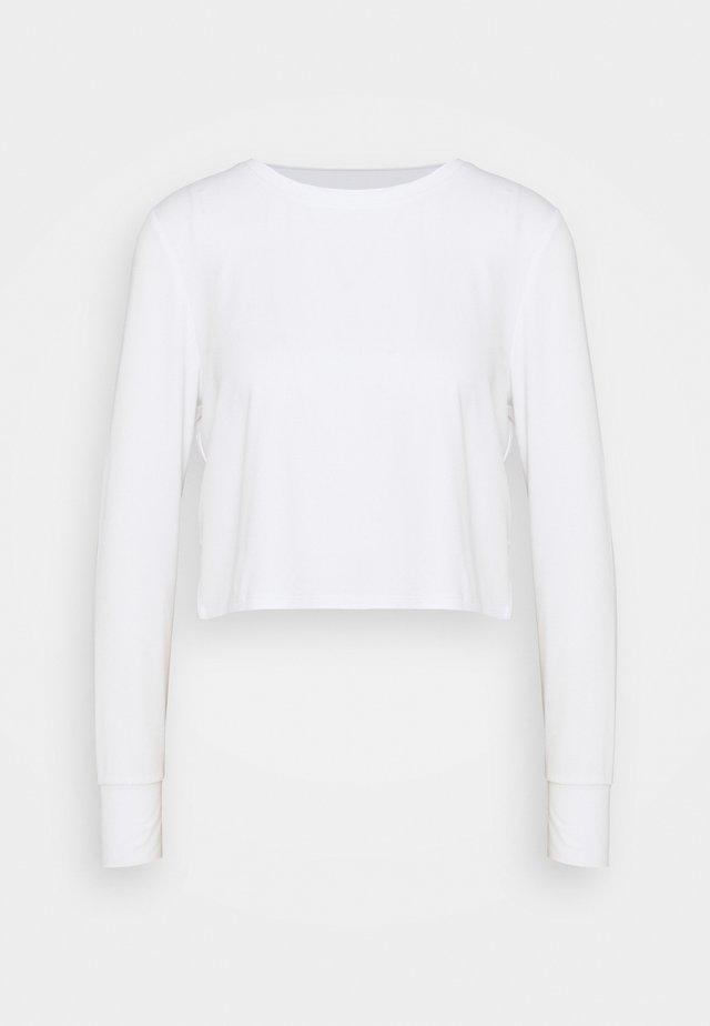 CROSS BACK LONG SLEEVE - Topper langermet - white