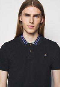 Vivienne Westwood - CLASSIC STRIPE COLLAR - Polo shirt - navy - 3