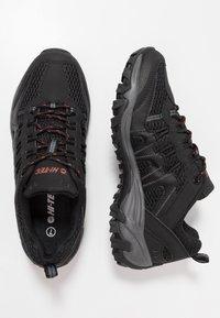 Hi-Tec - JAGUAR - Hiking shoes - black/picante - 1