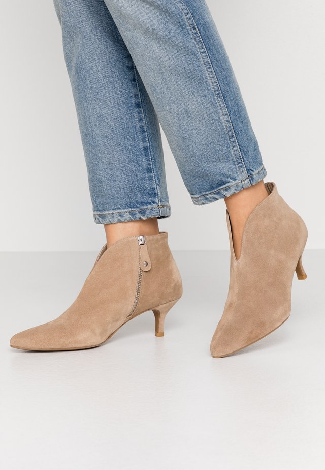 Ankle boots - basket arena