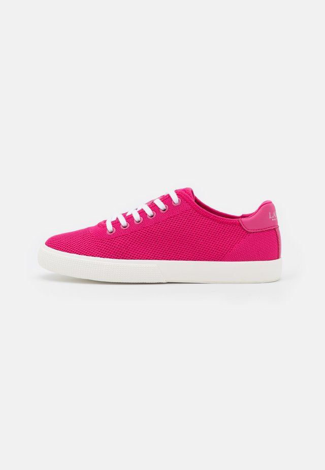 FLY JAYLIN - Sneakersy niskie - bright pink