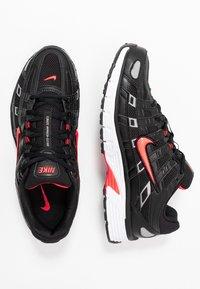 Nike Sportswear - P-6000 - Zapatillas - black/bright crimson/white/metallic silver - 1
