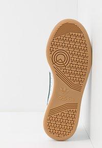 adidas Originals - CONTINENTAL 80 SKATEBOARD SHOES - Zapatillas - footwear white/grey three/collegiate green - 4