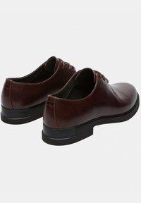 Camper - Zapatos con cordones - braun - 3