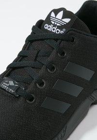 adidas Originals - ZX FLUX  - Trainers - core black - 5