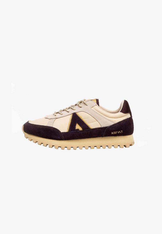 Sneakers laag - tan/burg.g