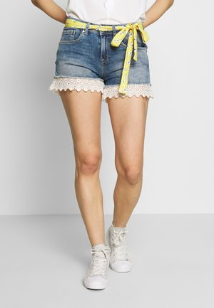 LACE HOT SHORT - Shorts di jeans - summer house blue