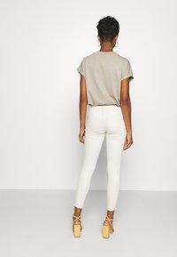 ONLY - ONLBLUSH RAW DOT - Jeans Skinny - ecru - 2