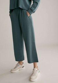 OYSHO - Trousers - green - 0