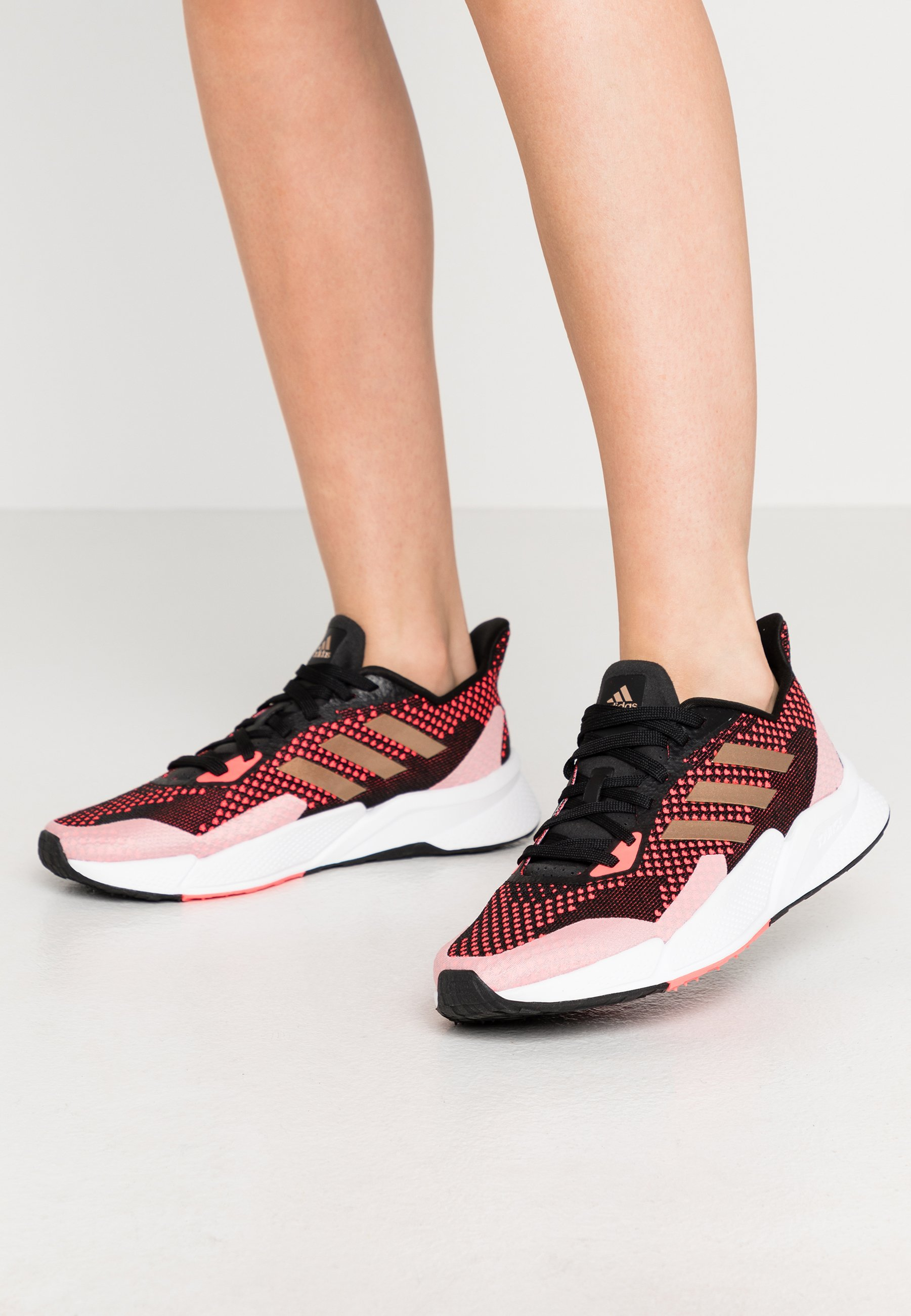 adidas Originals SLEEK Joggesko core blacksuper pink