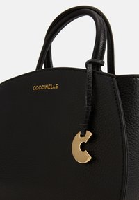 Coccinelle - CONCRETE HANDBAG - Kabelka - noir - 4