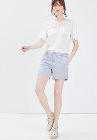 BONOBO Jeans - Print T-shirt - ecru - 1