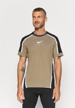 T-shirt imprimé - khaki/black/white