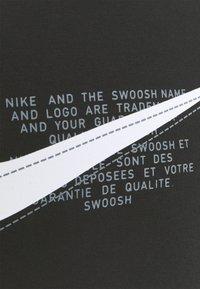 Nike Sportswear - COURT CREW - Sweatshirt - black - 5