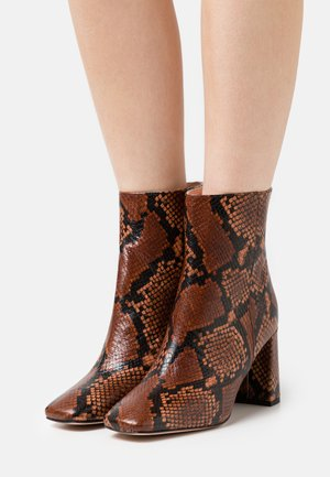 SNAKE ALEX BOOT - Classic ankle boots - dry cinnamon