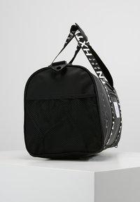 HXTN Supply - PRIME DUFFLE - Sportovní taška - black - 3
