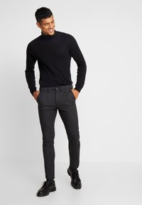 Jack & Jones - JJIMARCO JJCHARLES CHECK  - Kalhoty - black - 1