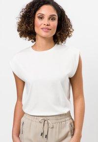 zero - Basic T-shirt - offwhite - 0