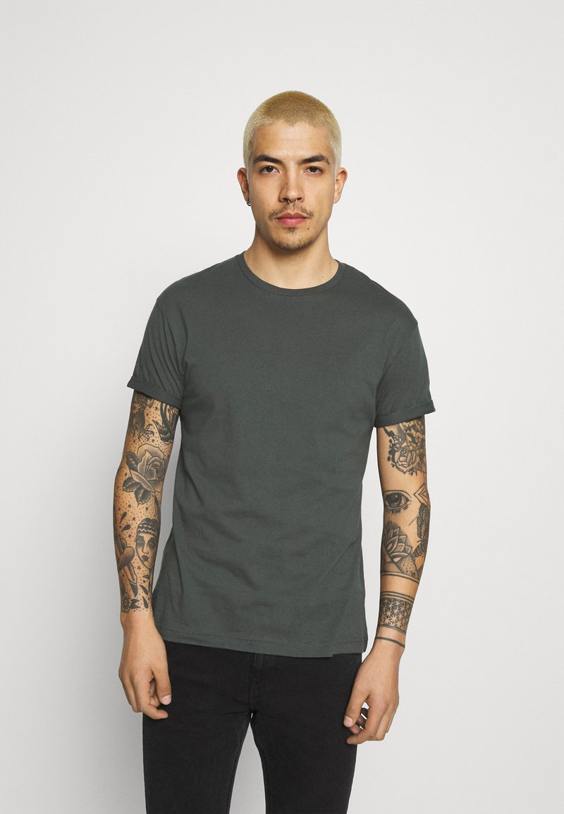 Tigha - ZANDER - T-shirt - bas - asphalt