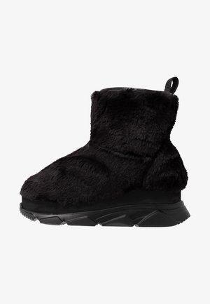 FURRY BOOT DONNA - Kilestøvletter - black
